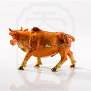 bejewelled-ox-carrying-treasure-0004
